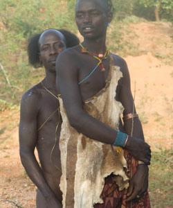 aike-parrain-saut-taureau-turmi-ethiopie