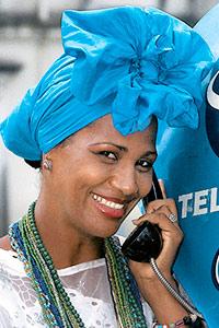 Jolie Bahianaise au téléphone