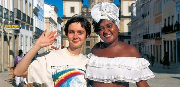 Cécile à Salvador Do Bahia, place du Pelourinho - 1994