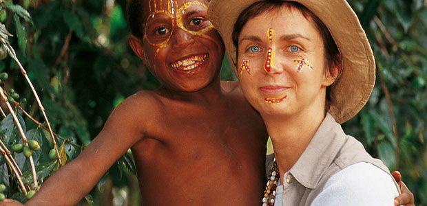 Ma fille Cécile dans les plantations de café de Papouasie