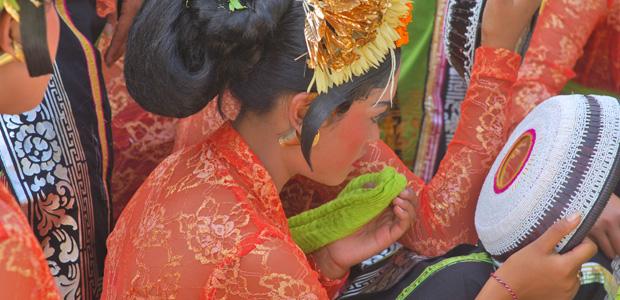 Les jolies Balinaises se préparent