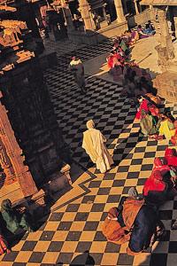 Les fidèles au temple