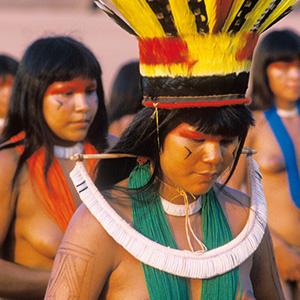 Danses des Indiennes Kuikuro