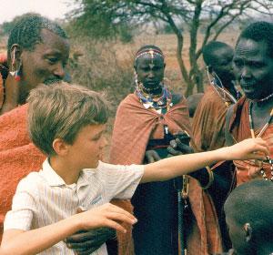 Les femmes Samburu proposent à François de la verroterie