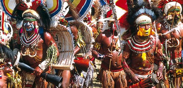 Groupe de musiciens papous