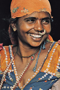 Maman indienne souriante