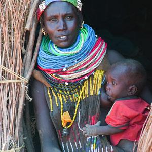 Maman et enfant Nyangatom