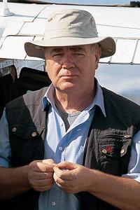 Paul Dequidt s'apprête à survoler les plantations de café