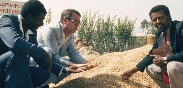Paul Dequidt et les hautes personnalités du café en Ethiopie
