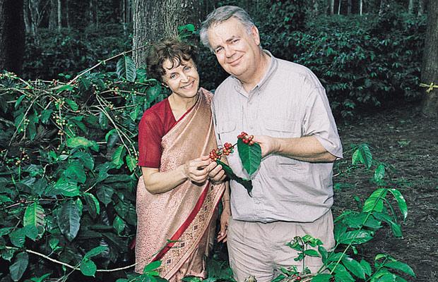 Paul et Mania dans la plantation de café de Shanta Giry