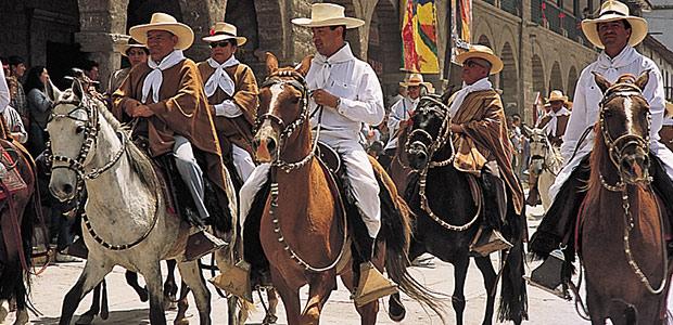 Les cavaliers en procession