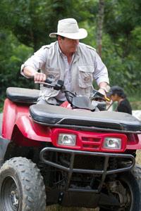 Ricardo sur la piste des quads