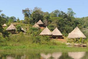 Village des Indiens Embera, retiré dans la jungle