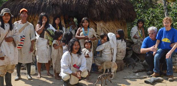 Mania et Paul Dequidt visitent le village des Indiens Kogi
